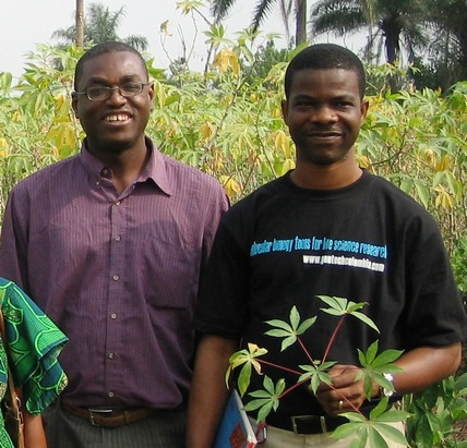 Emmanuel Okogbenin (left) and Chiedozie Egesi (right) in  a cassava field.